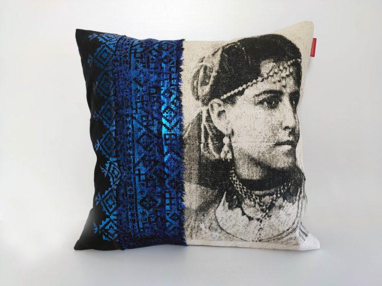 Coussin Fatya Bleu Foncé - collection berbère - sissimorocco