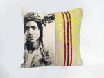 coussin unique originale laine creation maroc jaunr