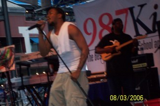 Raheem DeVaughn at The South Street Seaport NYC, with the beloved 98.7 KISS FM