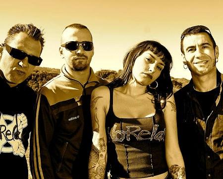 Miembros del grupo de punk no relax