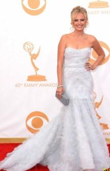 Malin Akerman poderia ser uma noiva com esse vestido.