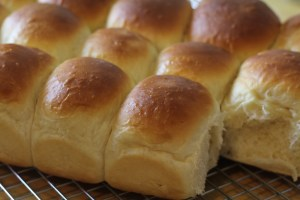 Sweet and Soft Homemade Dinner Rolls