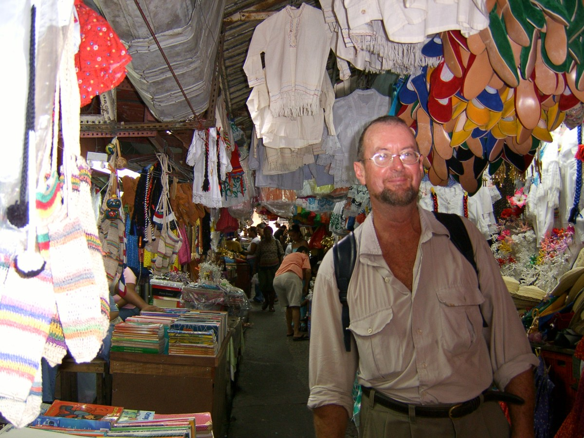 Noel in the bustling and colourful Panamanian markets