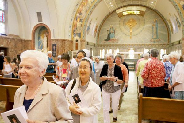 Mass-with-Archbishop3