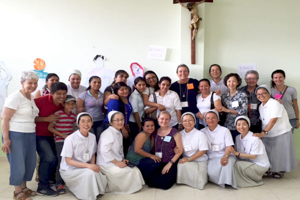 Seton Hill sister group in Ecuador