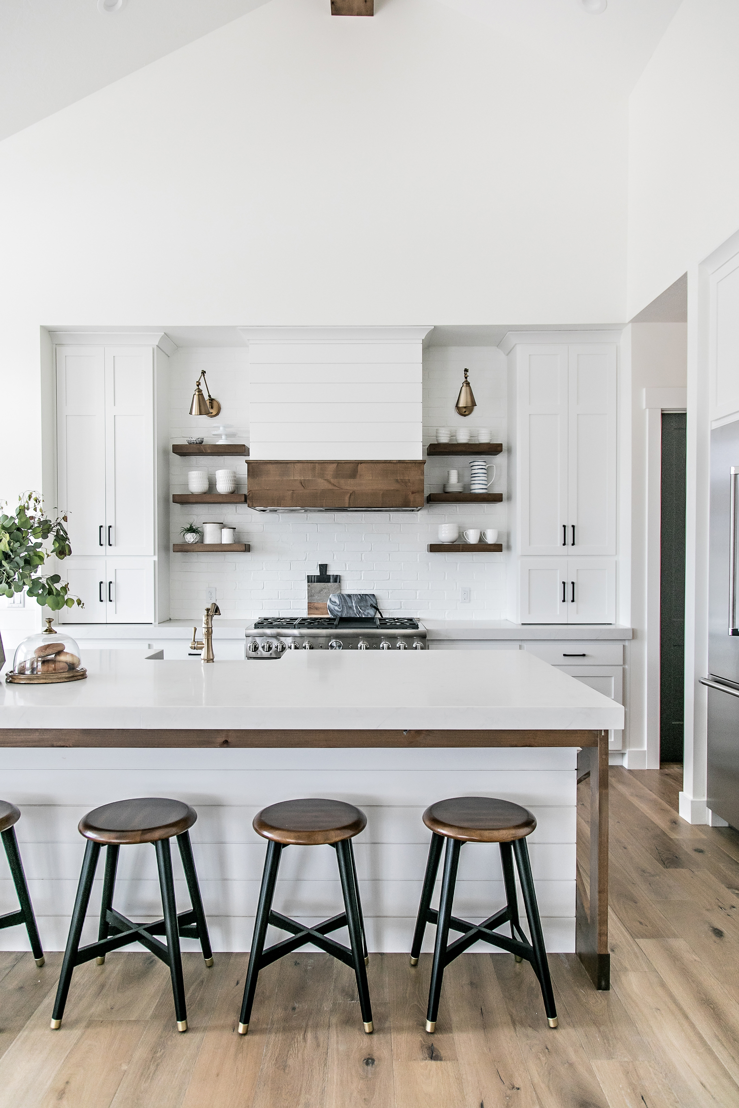 Smi Modern Farmhouse Kitchen And Dining Nook Sita