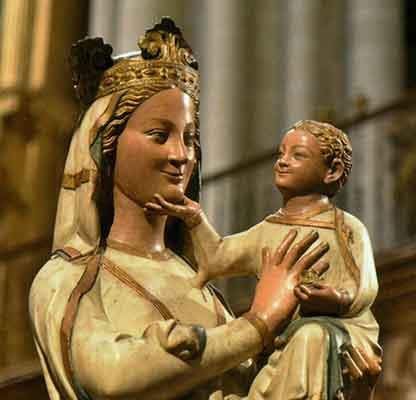 Vierge-Marie-souriante.jpg