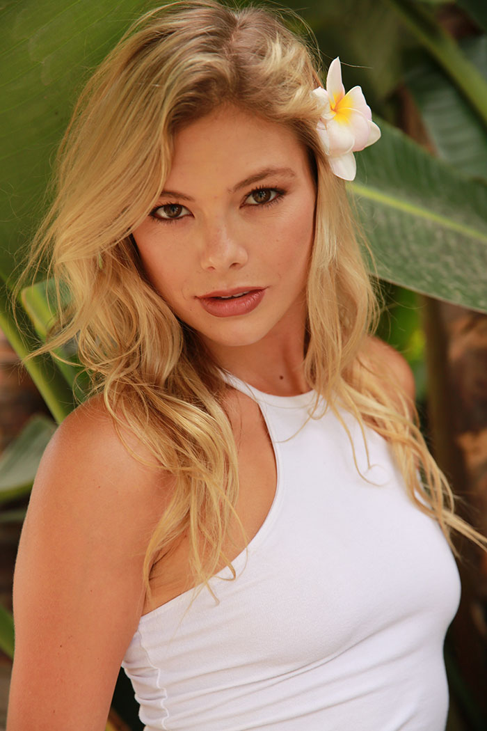 Brand Model And Talent Karly Ryner New Face