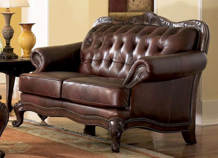 Elizabeth Traditional Leather Loveseat Wood Trim Couch