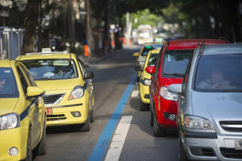 táxis e uber gnv no rio de janeiro