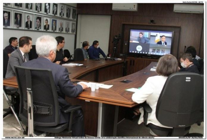 Ministro Marcos Pontes participa de reunião da Unesco para debater resposta à pandemia do coronavírus