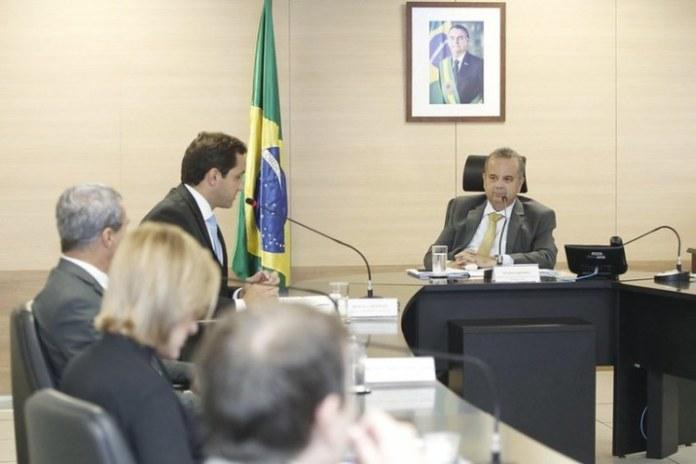 Ministro do Desenvolvimento Regional, Rogério Marinho, em reunião com lideranças. Foto: Adalberto Marques/MDR