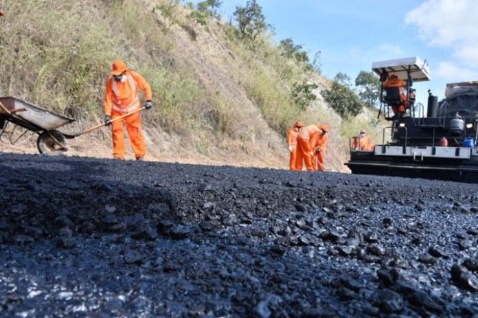 Governo Federal entrega mais 8km de pista restaurada da BR-080/GO