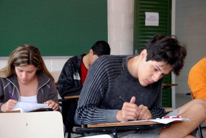 Estudantes inscritos no Enem poderão opinar nas datas de realização da prova