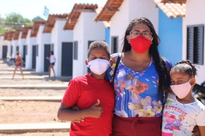 Primeira etapa das obras de saneamento em Floriano (PI) são entregues