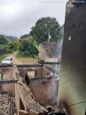 SiteBarra+Barra+de+Sao+Francisco+casa pega fogo rio do campo (6)0
