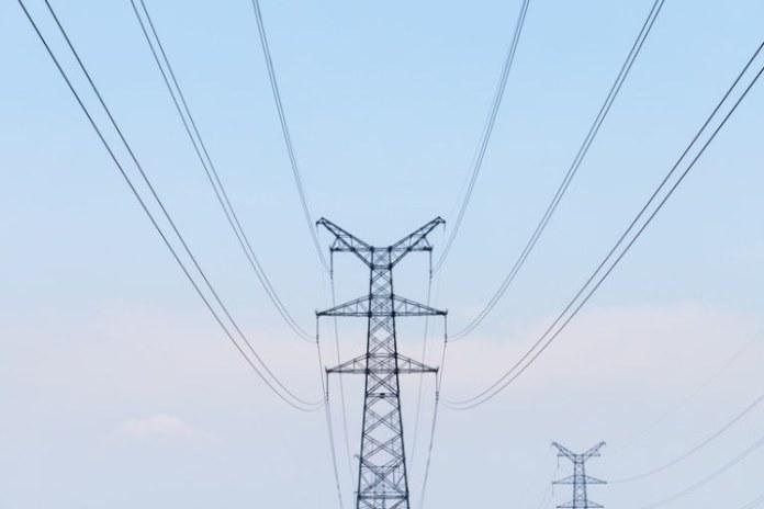 Governo edita Medida Provisória para amenizar impactos na tarifa de energia