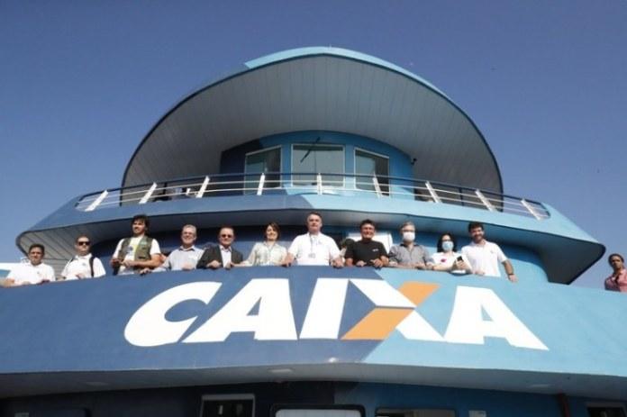 Em Breves (PA), Presidente Bolsonaro conhece agência-barco da Caixa