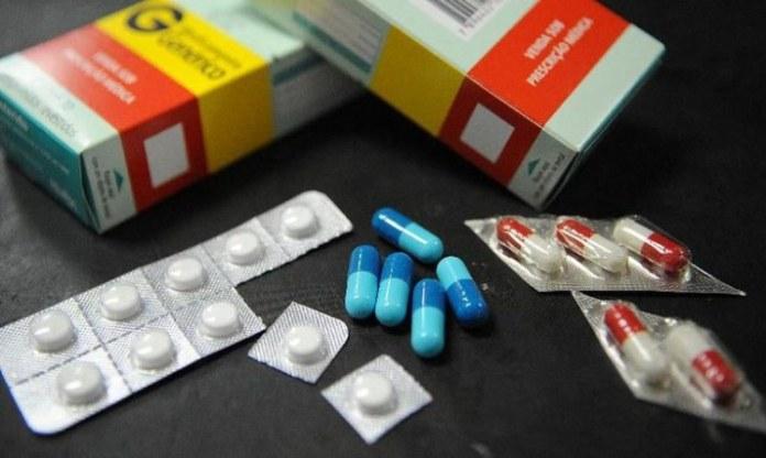 Dados abertos sobre medicamentos controlados e antimicrobianos