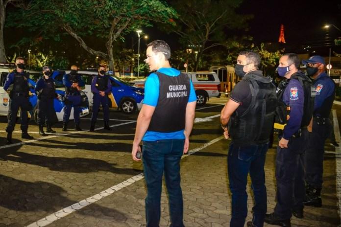 Operação contou com a participação do prefeito de Vitória, Lorenzo Pazolini, e do secretário de Segurança Urbana, Ícaro Ruginski — Foto: Divulgação/Prefeitura de Vitória