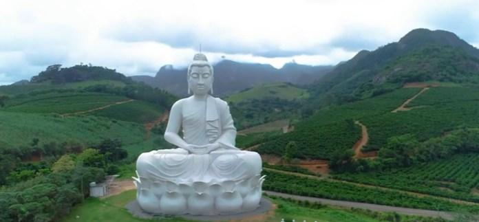 Maior estátua de Buda do Ocidente fica no Mosteiro Zen Morro da Vargem, em Ibiraçu