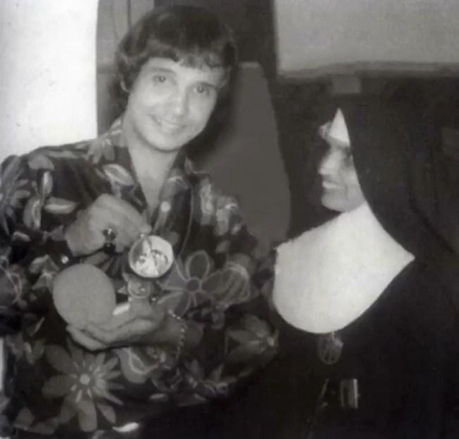 Roberto Carlos postou fotos com Fausta em duas épocas diferentes — Foto: Reprodução/Roberto Carlos