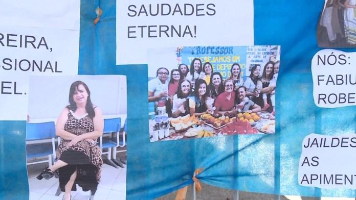 Com cartazes e fotos, amigos homenagearam a professora que morreu vítima da Covid-19
