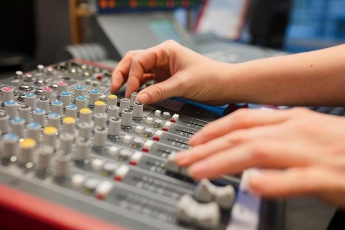 Autorizada migração de rádios AM para FM em três estados