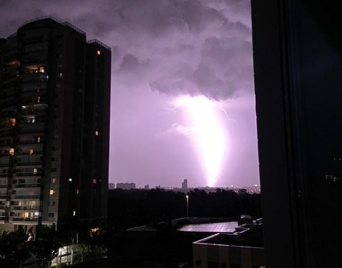 Grande Vitória teve chuvas fortes e raios em fevereiro de 2021 — Foto: Sandra Daniel