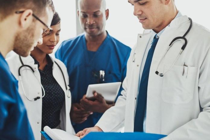 Lançado edital do Mais Médicos com 3 mil vagas em todo o país