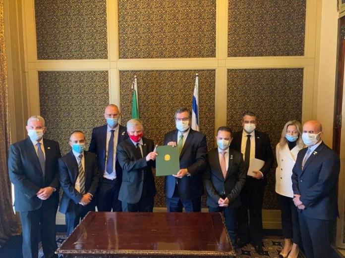 Missão brasileira em Israel promove acordo de cooperação contra a Covid-19