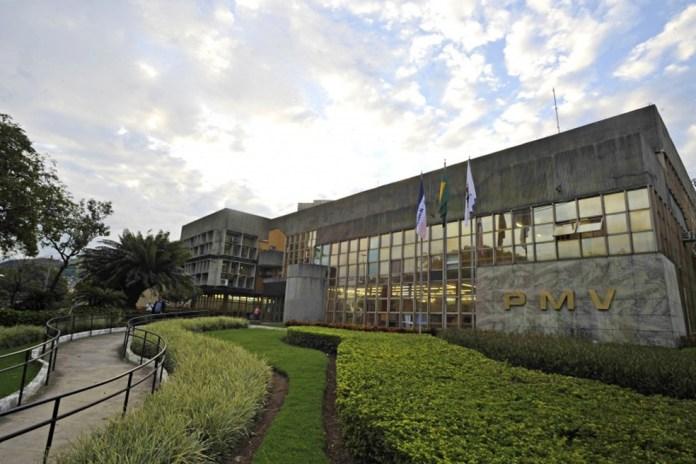 Prefeitura de Vitória publicou decreto para autorizar a abertura de restaurantes neste domingo (9), mas a medida foi barrada pela Justiça do ES — Foto: André Sobral/PMV