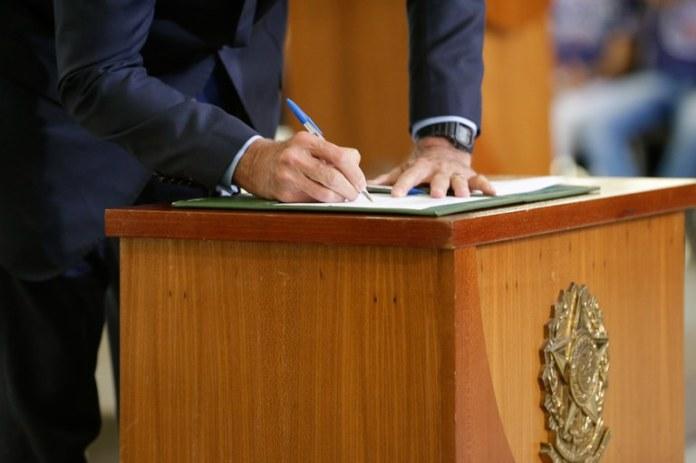Governo estima receita da União em R$ 4,325 trilhões em 2021
