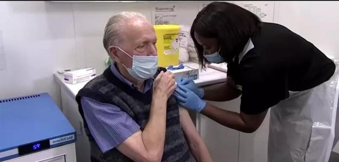 Reino Unido decidirá quais grupos receberão um reforço na vacina