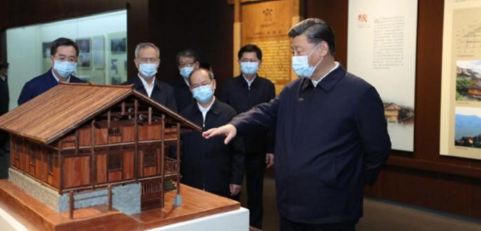 Xi em visita a etnias