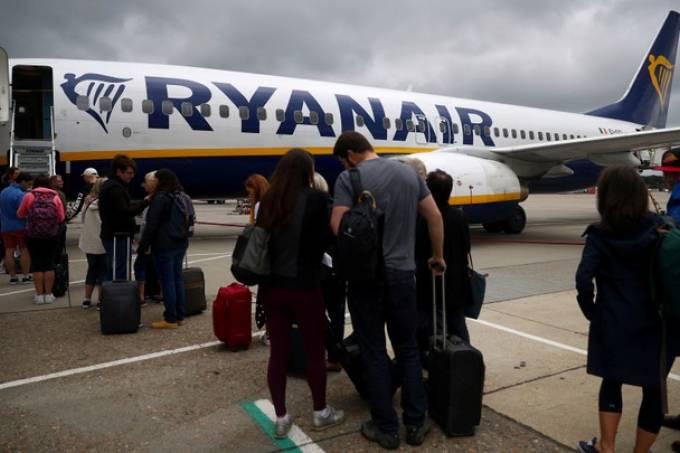 Belarus intercepta voo da Ryanair e avião tem pouso forçado em Minsk