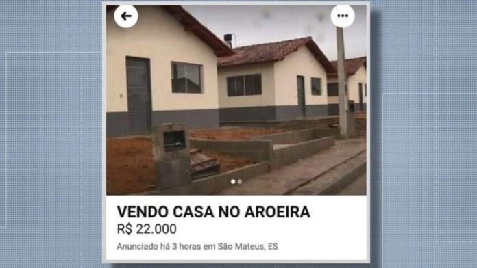 Anúncios de venda de casas inauguradas por Bolsonaro em São Mateus, ES — Foto: Reprodução