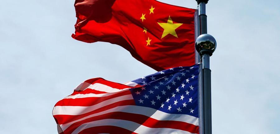 Bandeiras dos Estados Unidos e da China