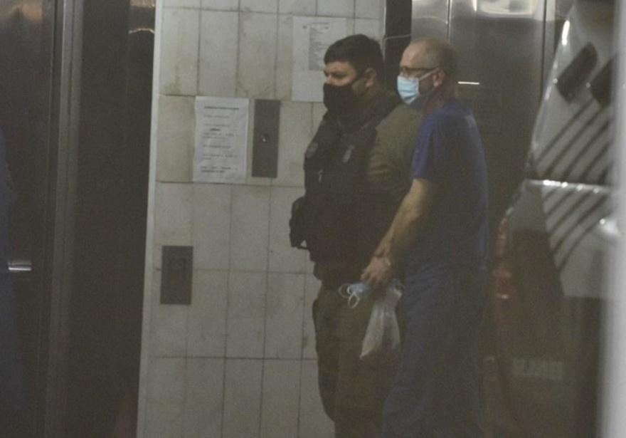 Ex-policial civil Hilário Frasson, ex-marido da vítima e um dos réus, chegando para o segundo dia de julgamento — Foto: Ricardo Medeiros/Rede Gazeta