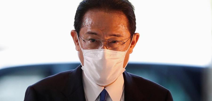 Novo premiê do Japão, Fumio Kishida, chega à sua residência oficial em Tóquio 04/10/2021 REUTERS/Issei Kato