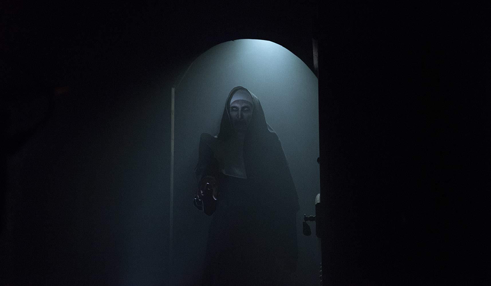 "American Horror Story Cenas Quentes a freira 2"": roteirista de ""luke cage"" e ""american horror"