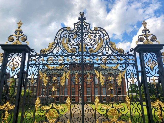 Front gate of Kensington Palace