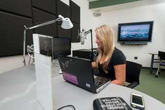 Morris Library's Student Multimedia Design Center