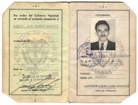 One of Gabriel García Márquez's passports. / Pasaporte de Gabriel García Márquez.