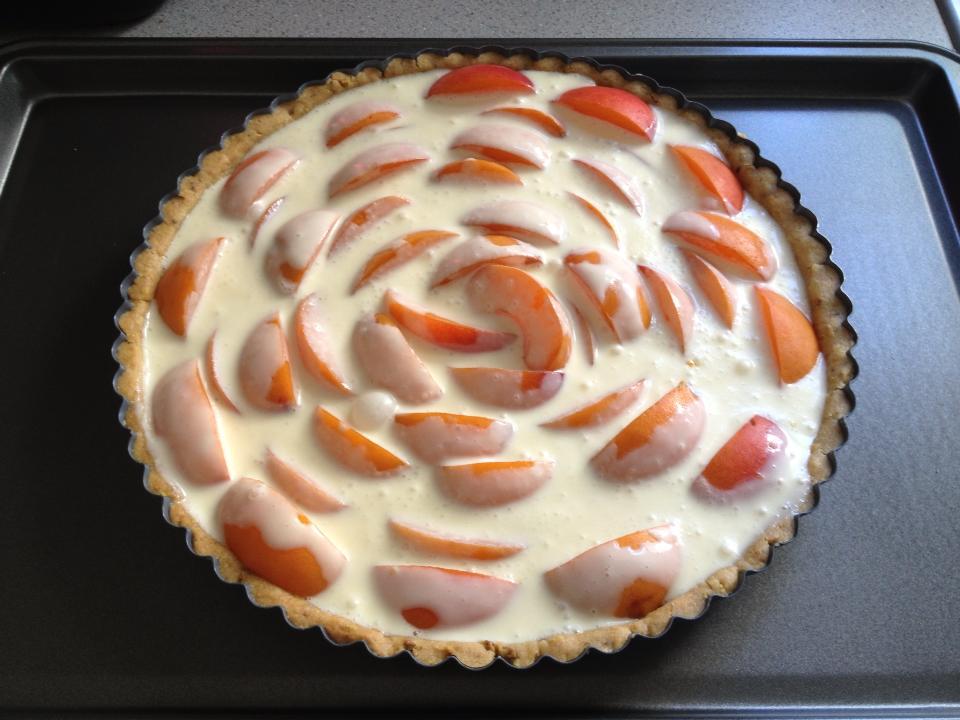 20130716-apricot-creme-fraiche-tart-2