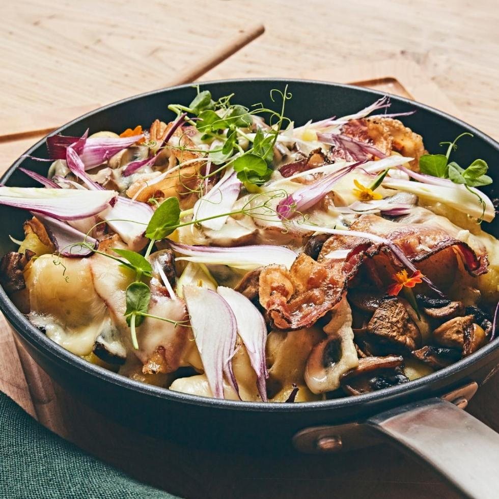 REcycled Fry Pan with Food