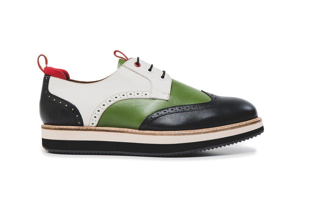 Ingin Sepatu Brand CR7, Harus Bayar Ongkir Mahal Dan Pajak