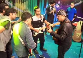 Practice time with Dhrubotara band