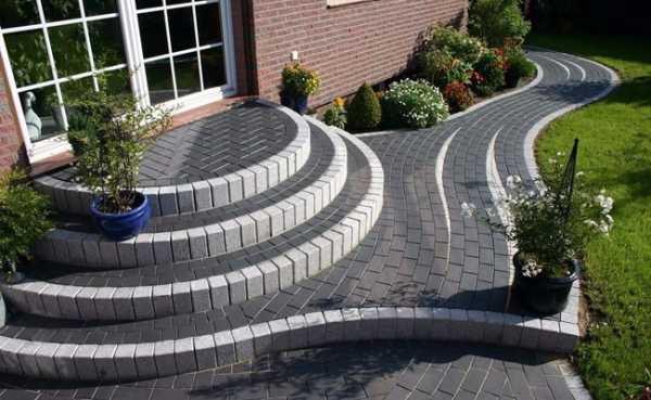 Фото полукруглые ступеньки – Полукруглое крыльцо из бетона ...