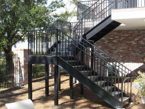 Железное крыльцо к дому – Наружные металлические лестницы ...